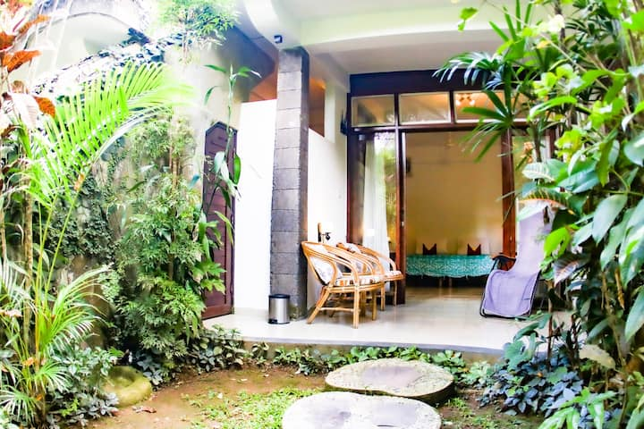 Kubu at Rumah Semanggi - river & jungle view room