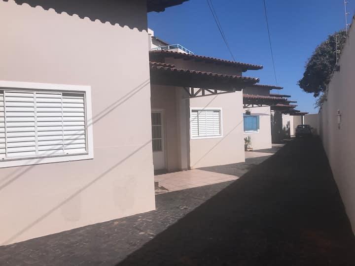 Casa dois quartos bairro Brasil