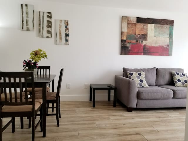 Beautiful 1-Brm Entire Apartment on Biscayne!