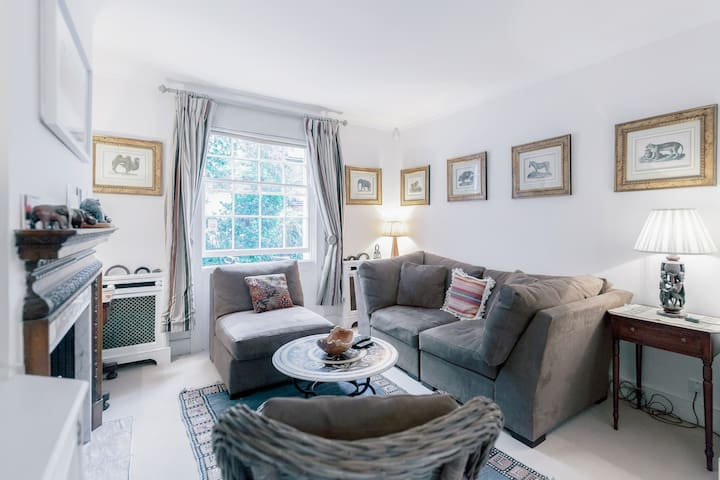Stunning 3-BD Kensington House - London - House