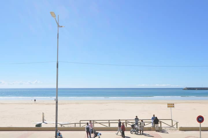 Frente al mar con terraza, luminoso y cálido