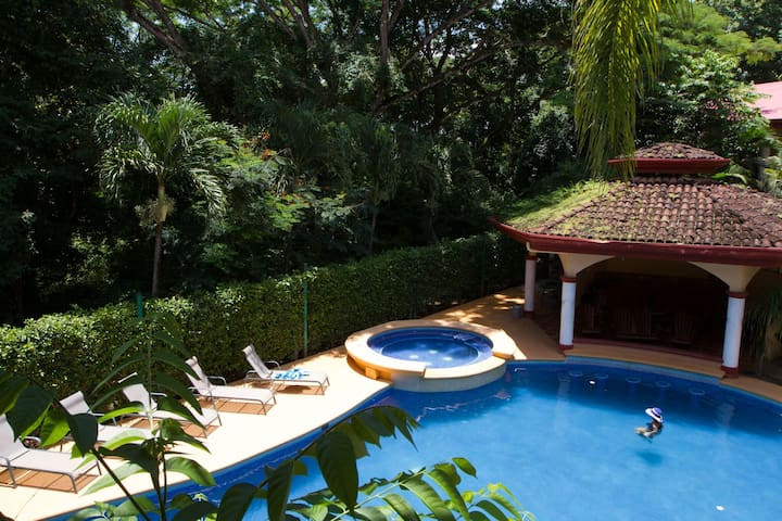 New 2 Br/2 Ba Beach Villa Trop Pool- Nosara- Wifi