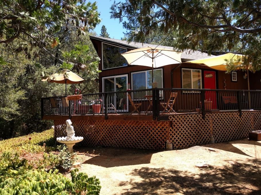 Rustic cabin retreat cabins for rent in groveland for Groveland ca cabin rentals