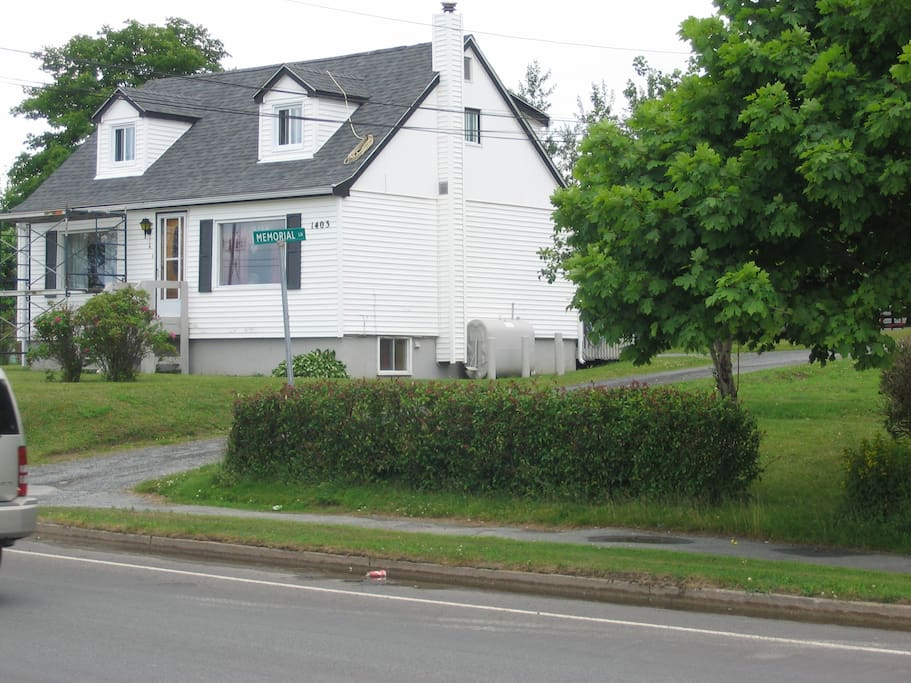Driveway 1403 & 1405 Main Road, Eastern Passage (Memorial Lane)