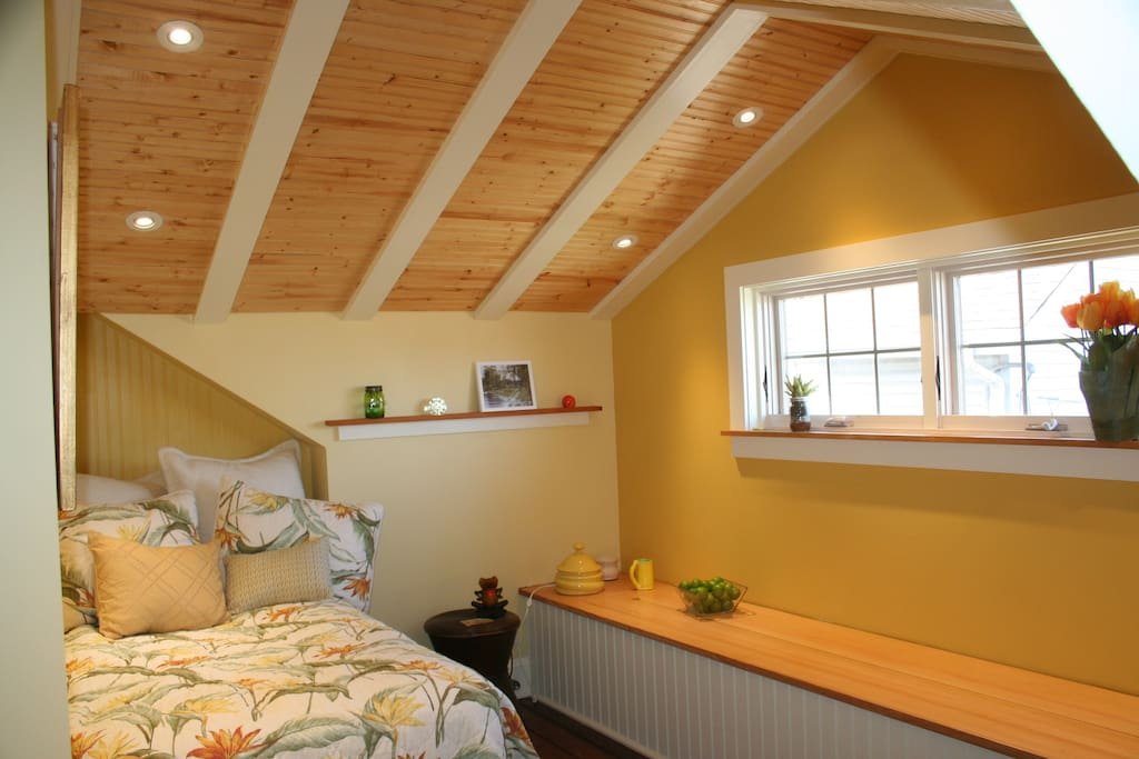 """Newly remodeled small """"yellow"""" bedroom on 2nd floor can accommodate 1-2 guests with Twin bed (pictured) or full size bed."""