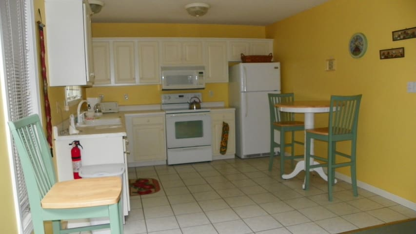 Fully Equipped Kitchen in Deer Park Vacation Condo