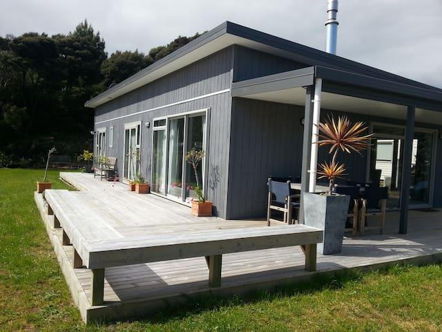 Cosy Modern House - Mangawhai Heads - Hus