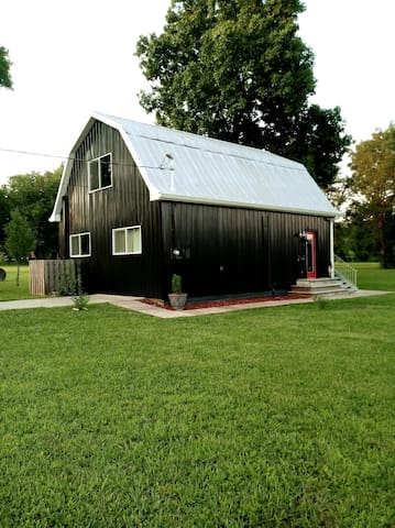 The Black Dutch Barn: SPECIAL FOR EARLY APRIL!