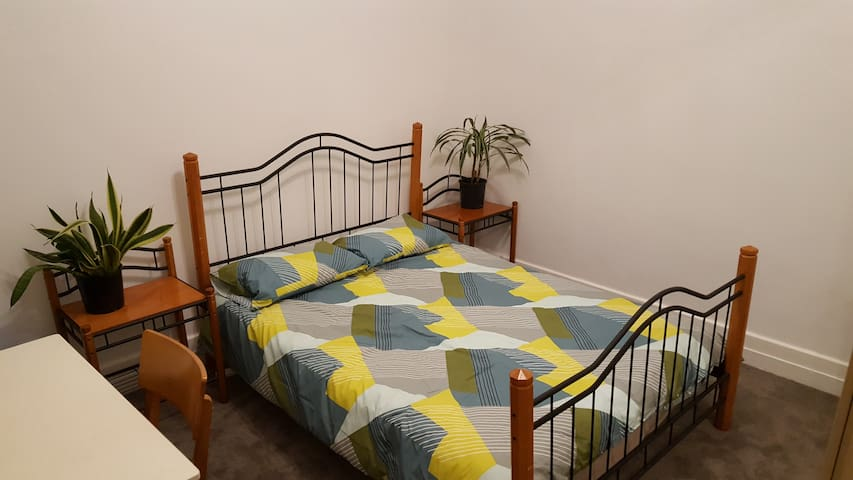 Quiet Room, Quiet Street, Great Location - Fitzroy North - Hus