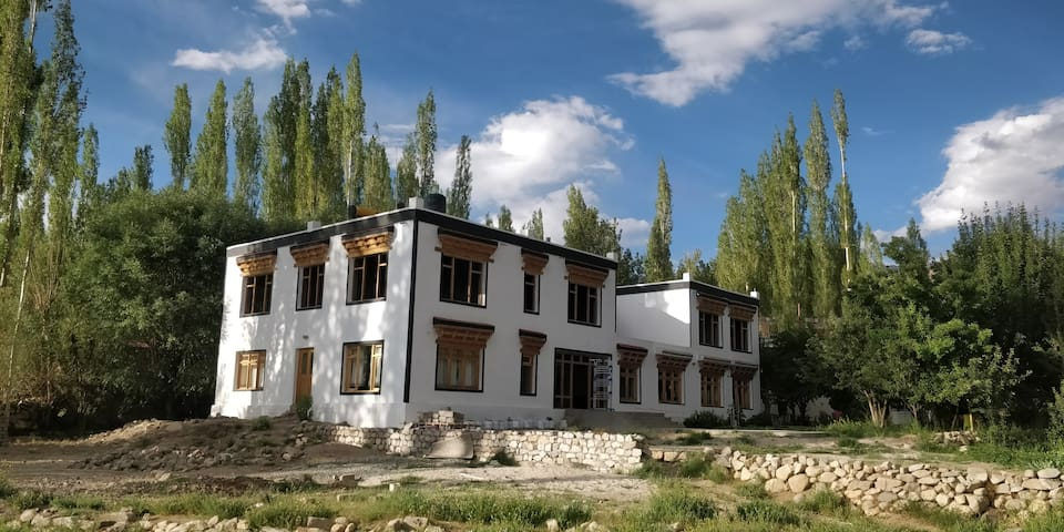 Chalung House: Stok View Farmstay in Leh, Nyis