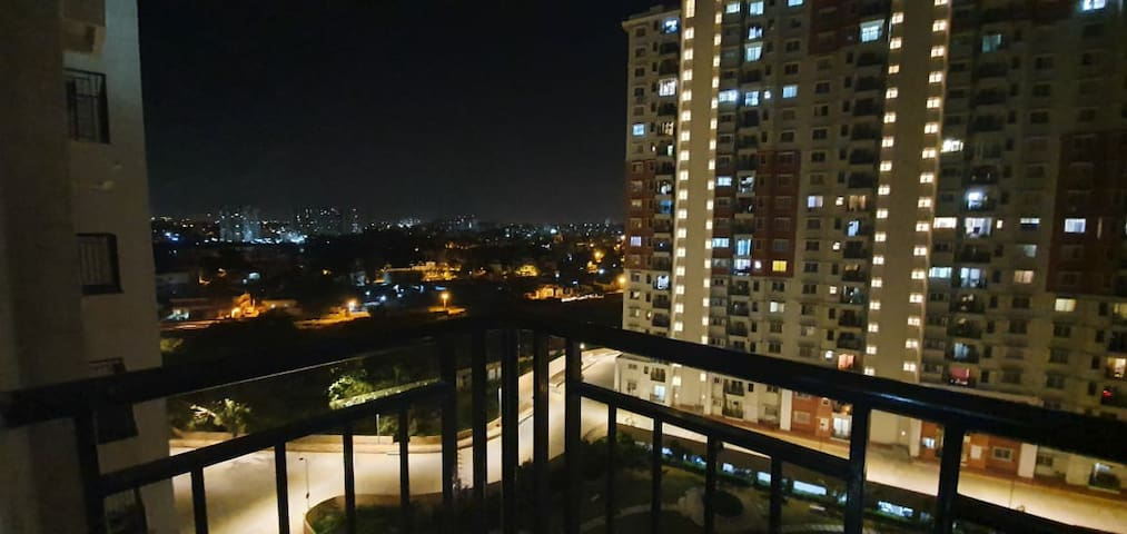 CASUAL OUTING HANGOUT 10TH FLOOR PRIVATE BALCONY