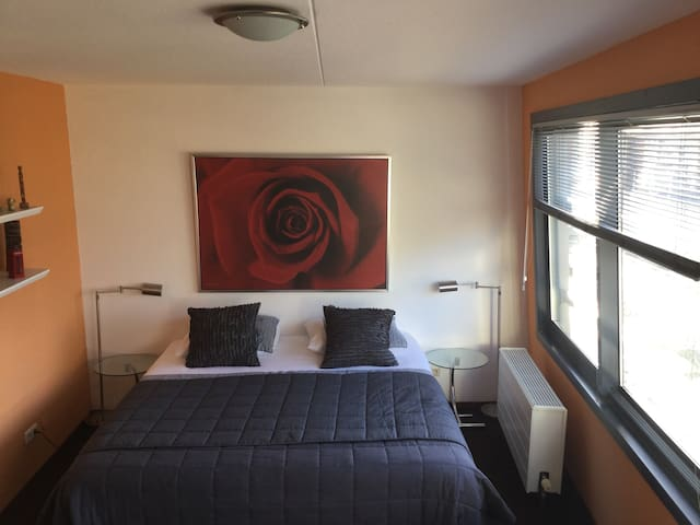 Comfortable Bed and breakfast private room - Almere - Wohnung
