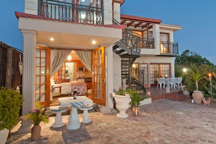 Peaceful Luxury Accommodation in Kleinmond