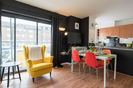 Bright one bedroom apartment. - Londres