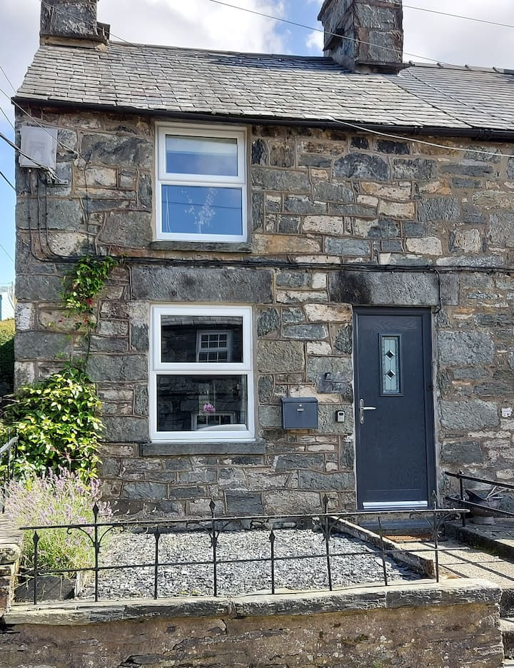 Comfy Welsh cottage in Snowdonia - 3 bedrooms