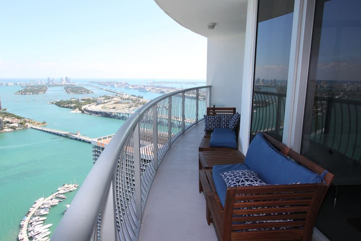 PENTHOUSE Lux 2/2 Oceanview, Parking & Gym
