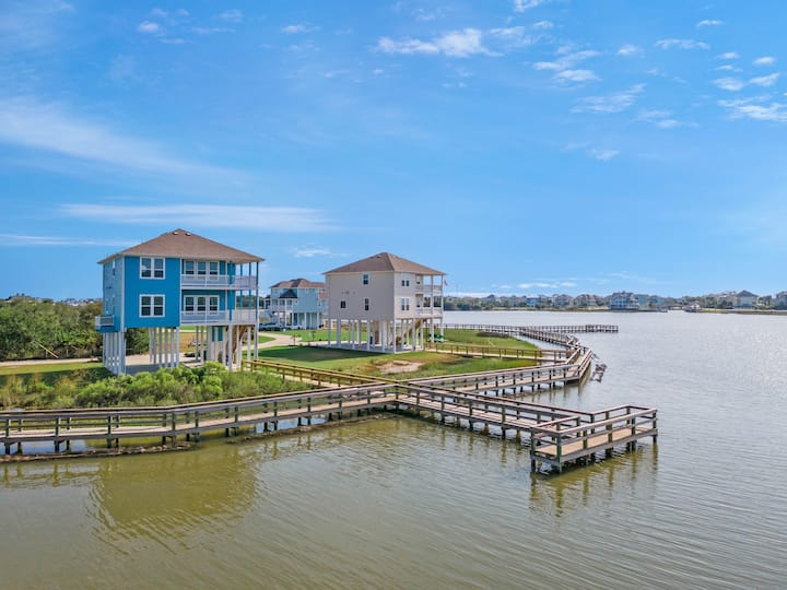 Deja Blue - Brand New-Private Bayfront-Pier Access
