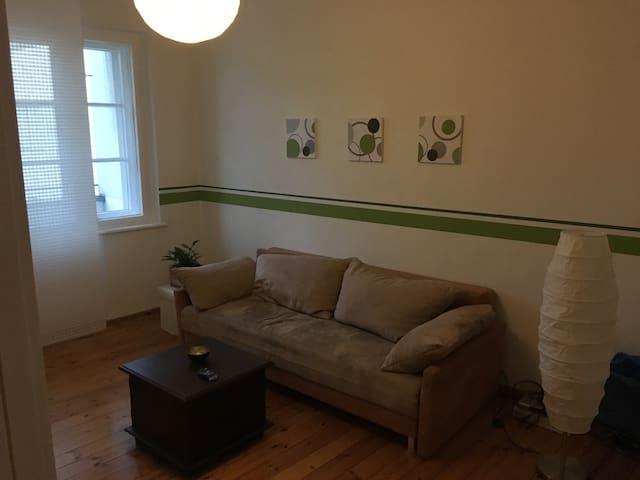 Privatzimmer +  Guten Morgen Kaffee - Berlin - Apartment