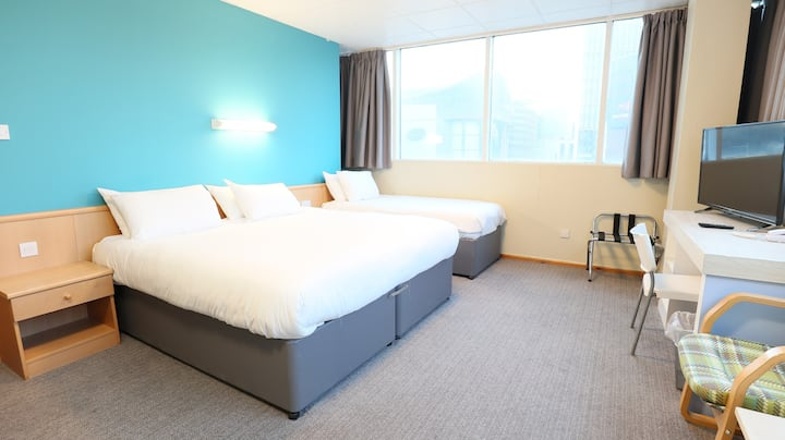 Family stay in City centre close to Motorpoint Arena with breakfast
