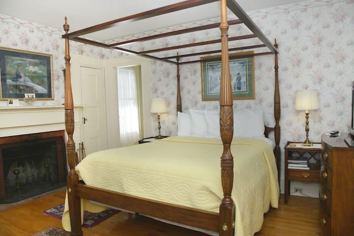William Francis Room - Hudson Valley B&B
