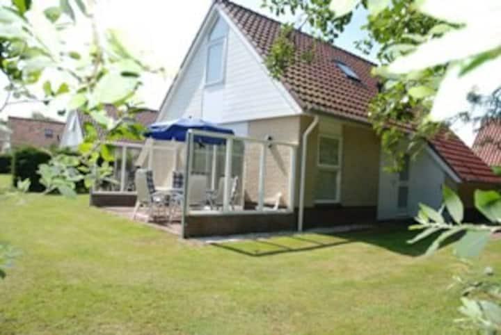 Gezellig vakantiehuis met sauna. Villa Texel 8 p.
