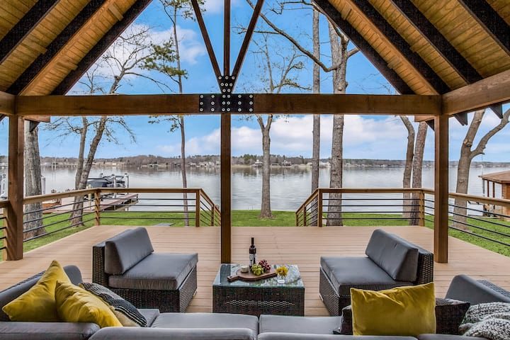 Lakefront Modern New Super Host Listing