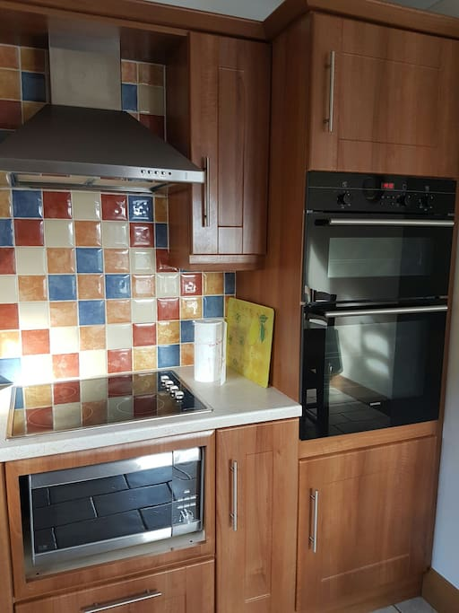 Hob, oven and microwave