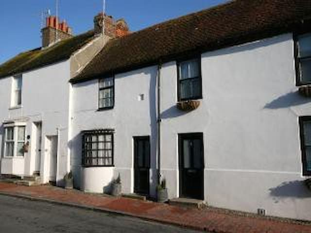 Brighton cottage by the sea