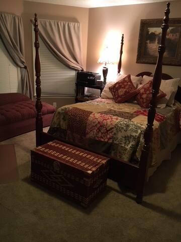 Mountaintop Guest Room
