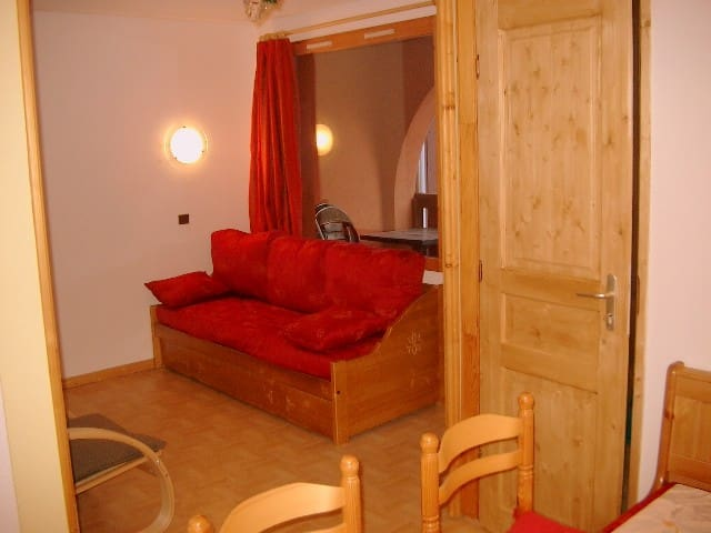 Great apartment in the village, ski-in/ski-out