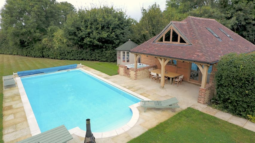 Luxury Little Oldwick Pool House Close To Goodwood