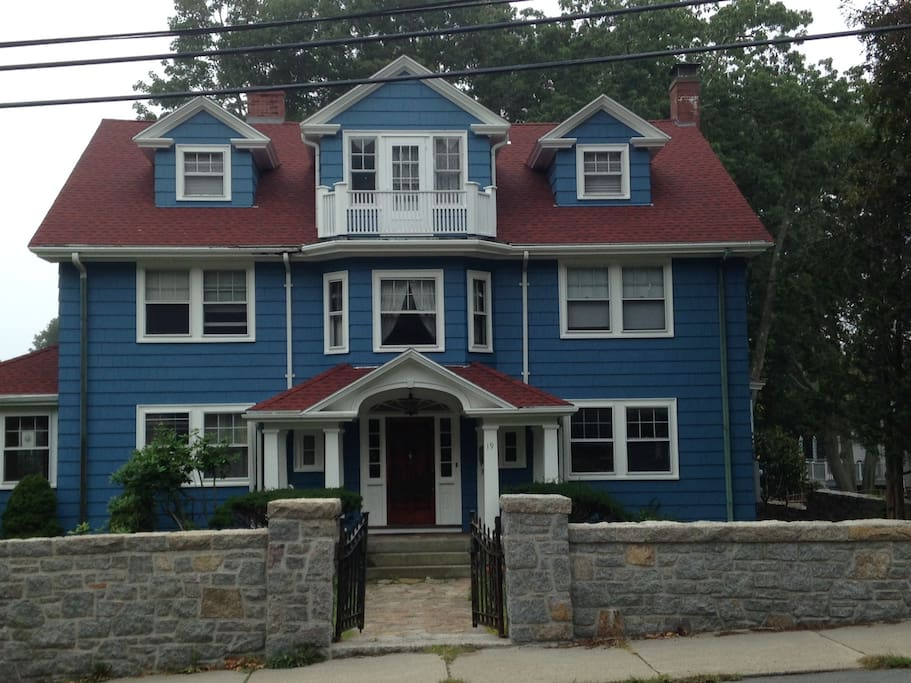 19 Norman Ave, in Magnolia / Gloucester, MA