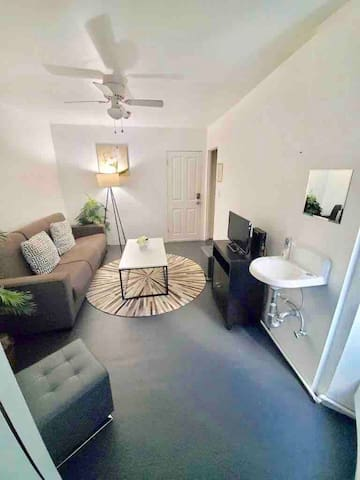 Relax and Enjoy cozy 1B Apartment | TORRANCE