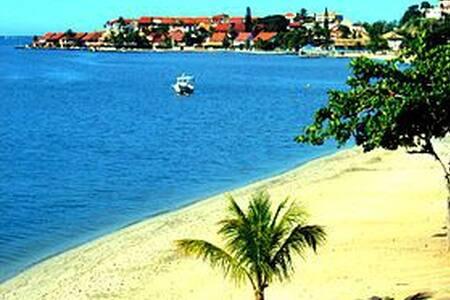 Casa de praia a 300 metros da Lagoa - Iguaba Grande