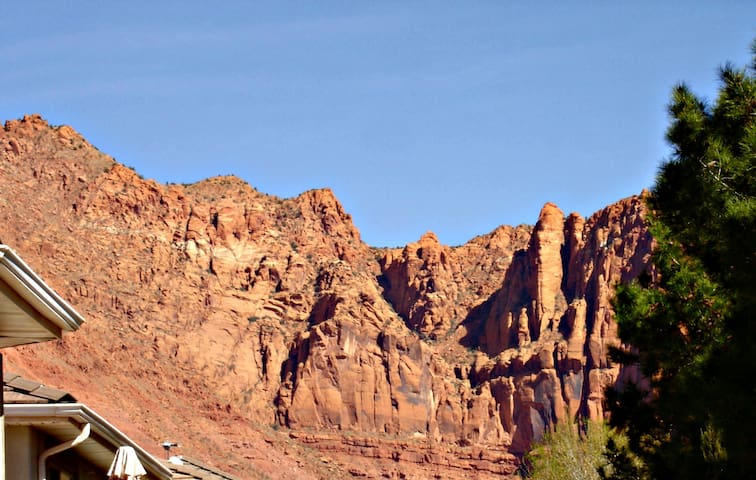 Tranquil Red Mountain Retreat Near Snow Canyon