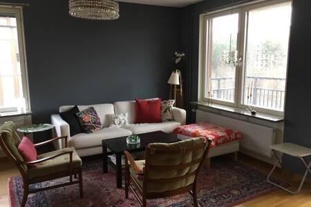 Modern cosy 2 bedroom apartment Näsbypark, Täby - Täby