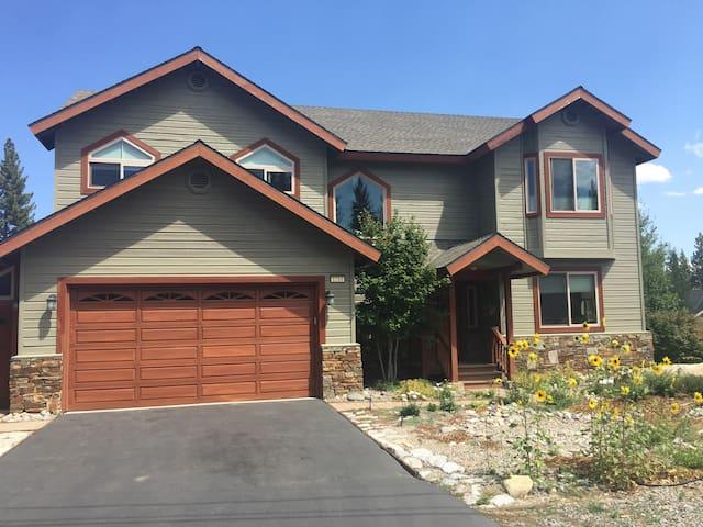 Sunny Mountain Home