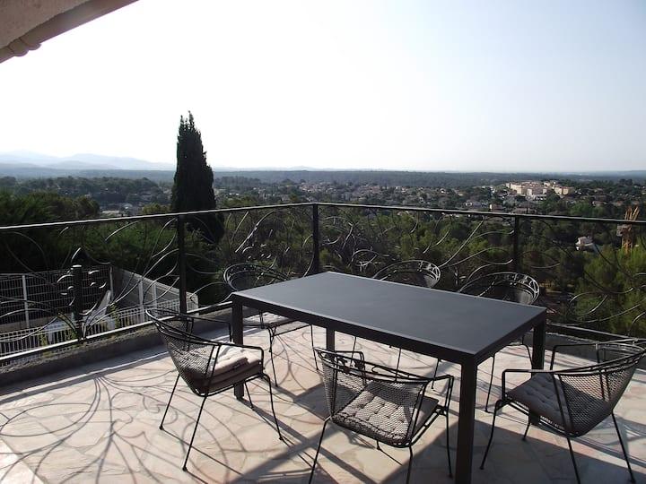 belle provençale avec magnifique vue 270°