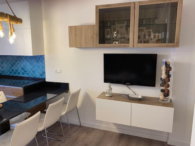 Smart TV with Google Chromecast