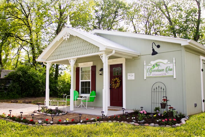The Greenhouse Inn