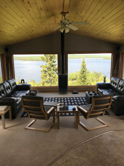 Modern Cabin, mountain top lake views.