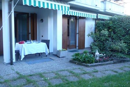 Casa con giardino Cantù - Cantù - House
