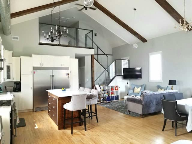 Luxury Loft at Corner Abbey