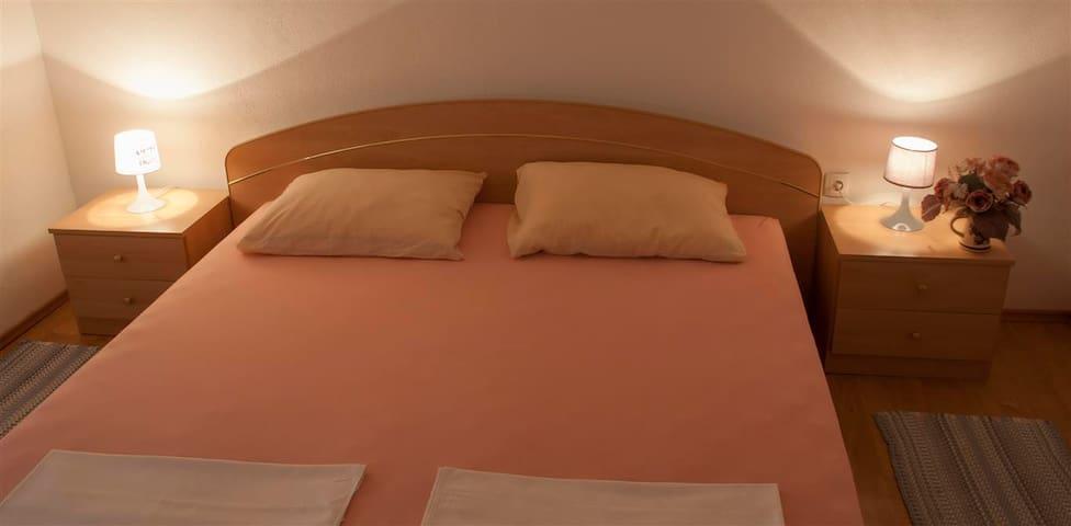 Two Bedroom Apartment in Novalja N8A5 - Zubovići - Suite degli ospiti