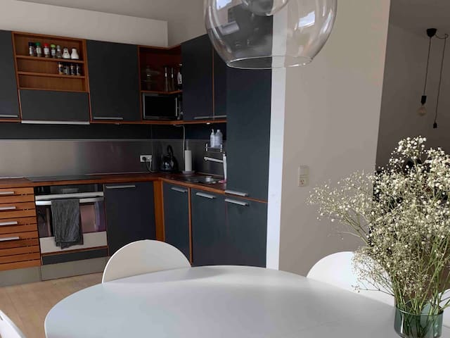 Private room next to central station and Tivoli
