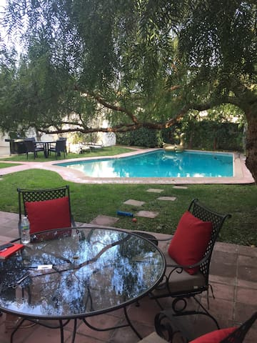 Close to Rodeo drive peaceful - Beverly Hills - House