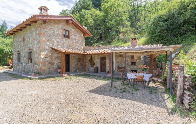 Holiday cottage with 2 bedrooms on 60m² in Ortignano (AR)