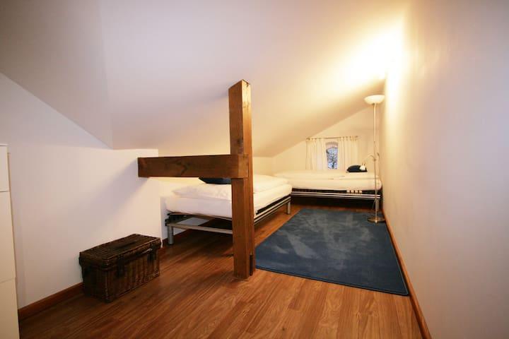 Schlafzimmer Betten 2,0m Bedroom beds 6ft 6,7inch