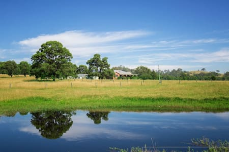 The Lazy Cow Farm House, Hunter Valley - Vacy - Hus