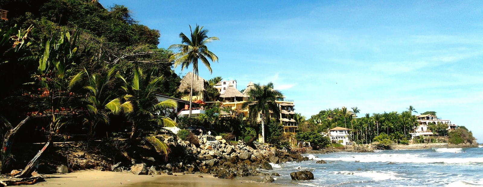 Vacation rentals in Las Glorias Beach